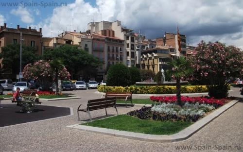 Площадь Каталонии в Жироне