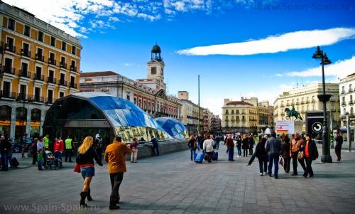 Площадь Пуэрто-дель-Соль в Мадриде