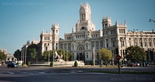 Площадь Сибалес в Мадриде