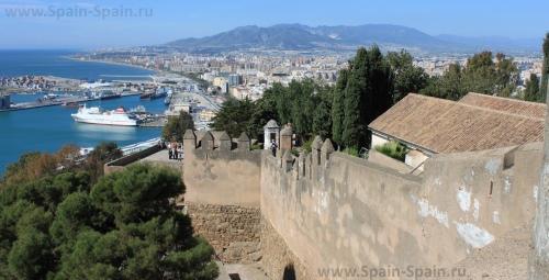Замок Гибральфаро в Малаге