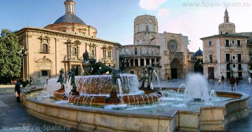 Площадь Святой Девы в Валенсии