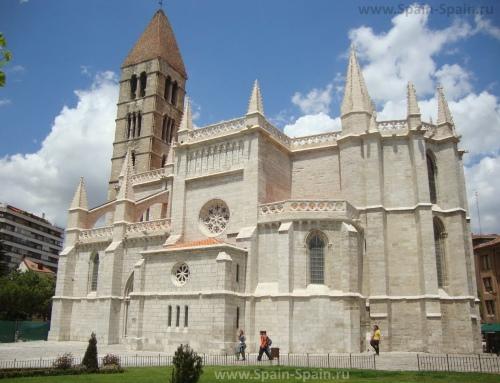 Церковь Санта-Мария-де-Антигуа в Вальядолиде